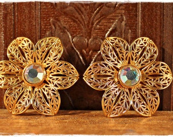 SALE /// Decadent Goldtone 80's Filagree Aurora Borealis Flower Earrings