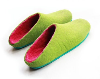 Wool Slippers Green Pink for Her, Felt Clogs, Wife Boho Gift, Rubber Soles, Colour Blocking, Minimalist Shoes, Holiday Gifts, Travel Shoes