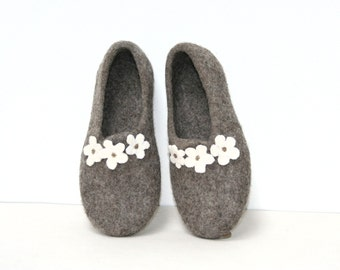Women slippers - felted slippers for woman - wool slippers - made to order - eco friendly - Mother's day gift