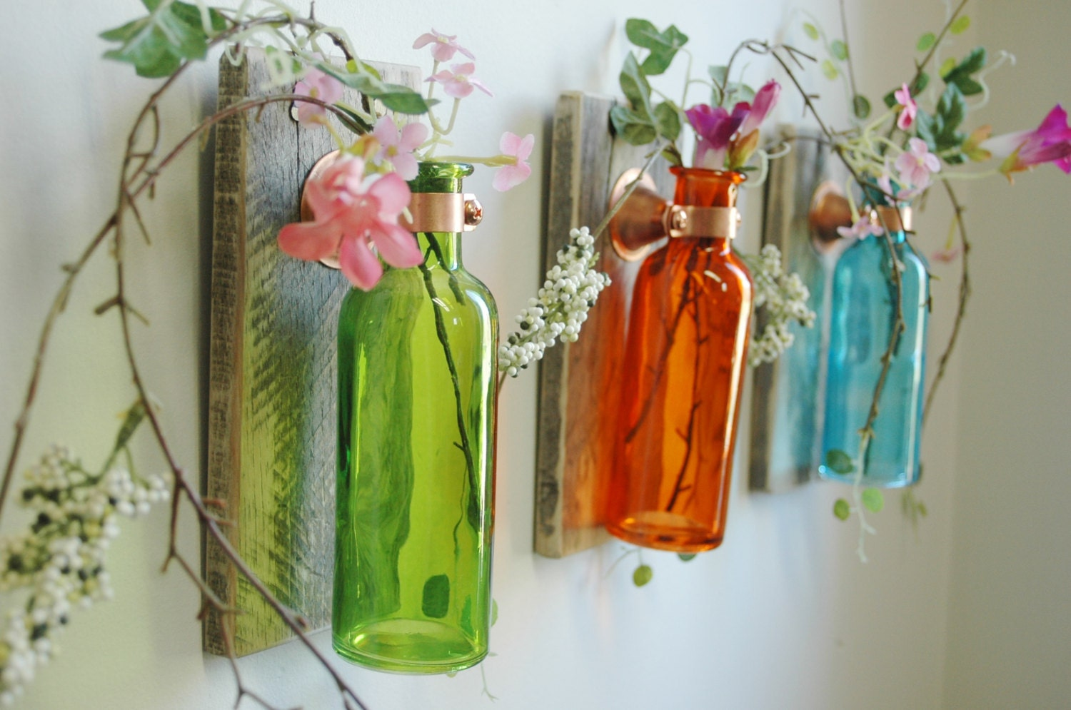 Bright wall decor kitchen wall bedroom wall decor country for Colored bottles for decorations