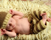 SET - Crochet Baby Hat and Pants - Photography Prop - Newborn - Infant - Toddler