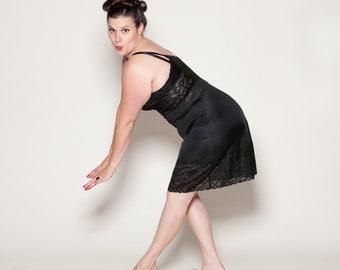 Vintage 1950s Lingerie - Vanity Fair Black Full Slip - Boudoir Fashions Size 38