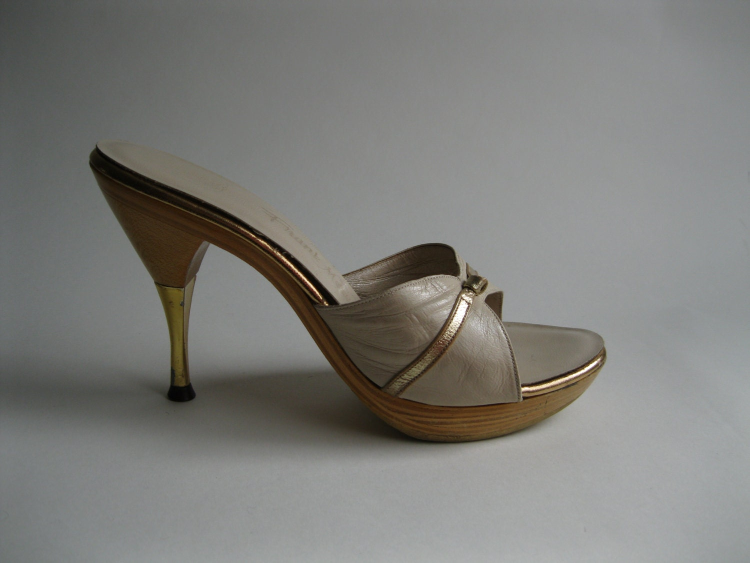 Vintage 1950s Shoes Gold Leather Stiletto High Heel Wedding