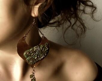 Copper earrings, heart, crystal earrings, Handmade earrings, green earrings, hammered copper earrings, Jewelry handmade, wire Wrapped