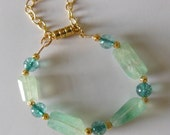 Stuning gemstone green  bracelet  B056