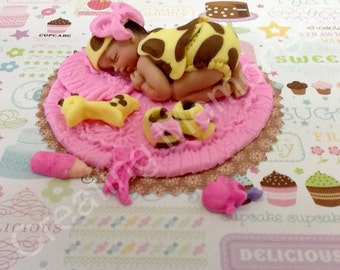 Baby Girl Giraffe Outfit   Fondant Cake Topper/ BABY SHOWER Cake Decoration/Edible  Cake