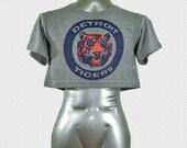 Detroit Tigers Vintage 80's Logo // triblend athletic grey womens  crop top