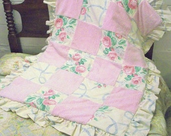 Vintage Chenille Quilt with Ruffled Edge - Coverlet Throw - Roses Bouquet