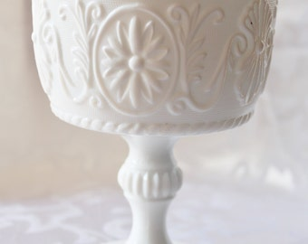 Vintage Milk Glass Ruffled Edge Footed Celery Spooner Compote