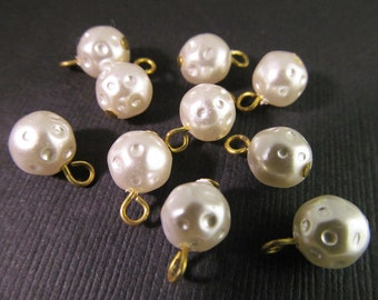 20 Vintage 8mm White Faux Dimpled Pearl Drops Pd358