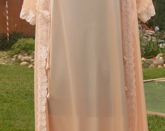 LIte Pink long  night gown and robe size med