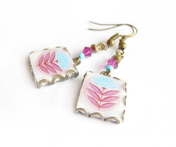 Springtime Scandinavian pattern tile earrings. Nordic flower. Pink and white scandinavian flower.