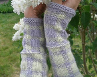 "Woman's wristwarmers (""Old-Freshened"") knitting pattern (PDF)"