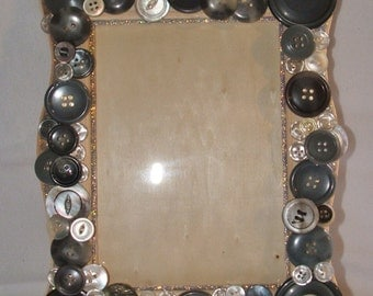 5x7 Frame w/Vintage Buttons