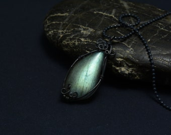 The blue flash,Labradorite pendant,Sterling silver chain,wirewrapped pendant