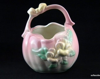 Hull Pottery / USA Sunglow 84 Pink Basket - Vintage Item - 1940s
