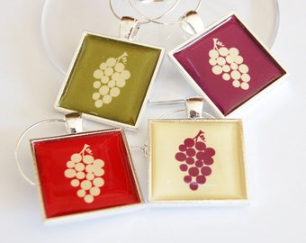 Wine Charms, Wine Glass Charms, silver plate, grapes, barware, entertaining, table setting (2247)