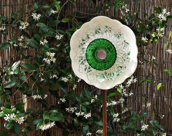WHITE GREEN Yard Art, Garden Plate Flower, Garden Decor, Garden Glass Flower, Glass Plate Flower, Suncatcher, Bird Feeder, repurposed