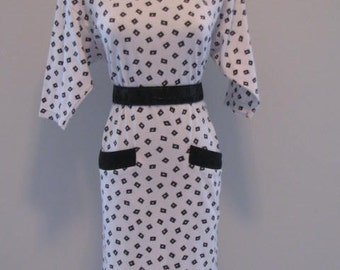 80's Simple Addition DRESS// Vintage Black and White SHIRT Dress Size S Pockets Confetti Square Print