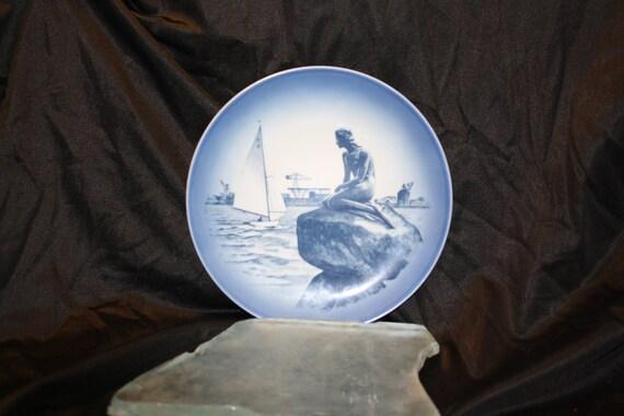 https://www.etsy.com/listing/125916812/vintage-royal-copenhagen-little-mermaid?ref=favs_view_7