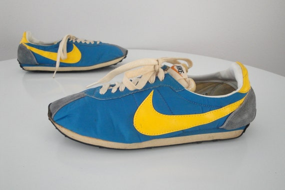 Vintage 1970s 70s Nike Sneakers Waffle Trainer Running Shoes