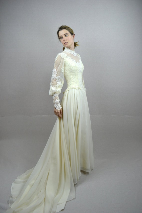 70s wedding dress / 19... Vintage Lace Wedding Dresses Sweetheart