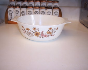 Vintage Pyrex casserole Country Autumn made in England