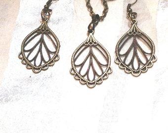 Antique Bronze Necklace Earrings Set Lacy Leafy Ornate Multi-Hued Vintage Inspired