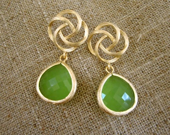 Green Earrings, Bridesmaid earrings, Apple Green Gemstone earring, Flower wedding, Bezel framed Green stone.