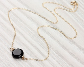 Onyx necklace / Black Onyx pendant / Black gemstone necklace / Simple black necklace / Gold black necklace / Bridesmaid necklace | Moirae