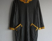 50s 60s VTG Grid Black Yellow Gold Shift Wiggle Dress Contrast Pockets Long Sleeve Mod