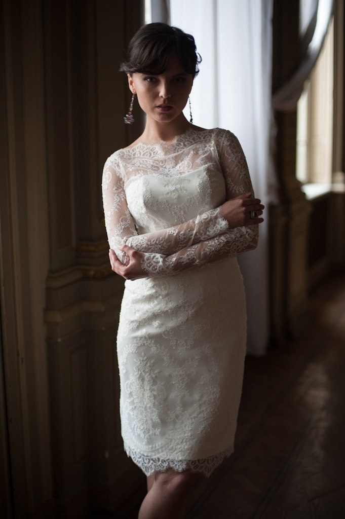 Fitted style short wedding dress short lace bridal gown with for Fitted lace wedding dress