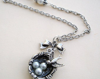 Bird's nest necklace in vintage style antique silver
