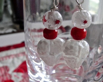 Perfect gift for your Sweetheart  : white lampwork glass hearts earrings.