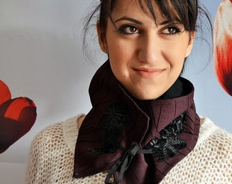 Bordeaux Striped Womens Scarf / Neckwarmer Double-Sided Black And Bordeaux Scarf - Handmade