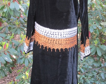 Vintage boho/ethnic long velvet dress with embroidery