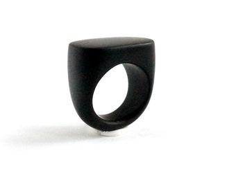Black ring Statement ring Black jewelry Geometric jewelry Minimalist ring Modern ring Contemporary jewelry Minimalist jewelry Simple ring
