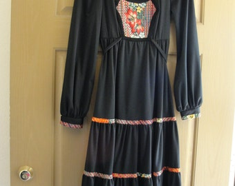 Vintage 70s 80s Jody T black floral small prairie style dress