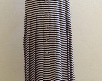 Button Front Long Pleated Skirt