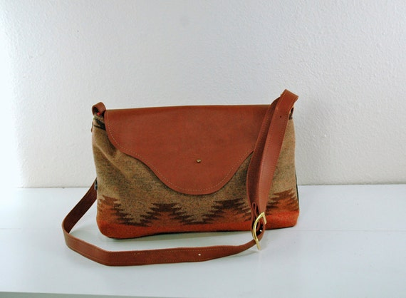 Nina: Leather Flap Bag in Natural Patterned Wool