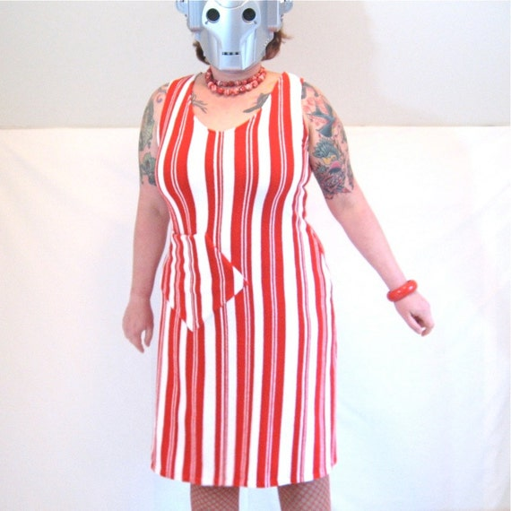 Easy Dress - red and white striped vintage 1970s knit terry fabric - pocket - 43B-38W-47H