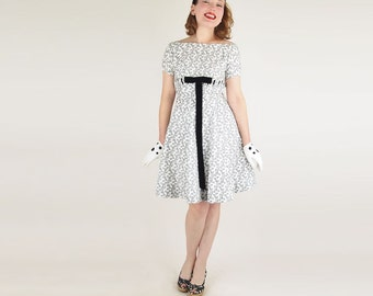SALE 60s White and Black Print Cotton Piqué Dress with Black Velvet Bow XXS