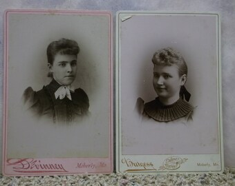 Lot of 2 Pretty Teen Girls - Curly Hair - Odd Collar - Antique Cabinet Photo - Moberly, MO
