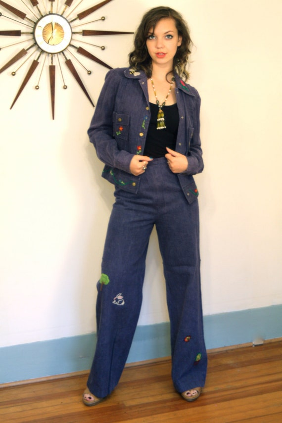 Vintage 70s Embroidered Pant Suit Denim Outfit Hippie Embroidery High Waisted Jeans 2 Two Piece Bell Bottom Pant & Jacket Set 1970s Trousers