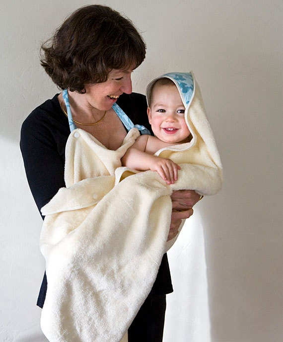 Organic towel in blue. Bath washmitts and hooded apron towel. New mom gift. Children matching set.