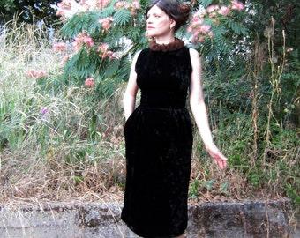 50s dress 1950s Dress LOVELY Crushed Velvet  Mink Collar Elegant evening