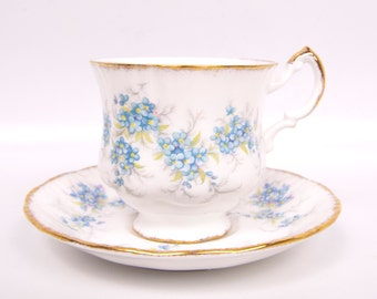 Vintage Paragon Teacup and Saucer Remember Me Blue Flowers 1942 Made in England