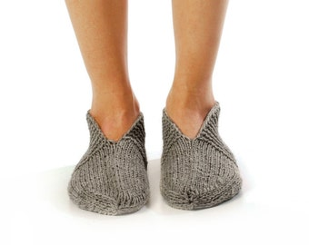 "WOMAN SLIPPER SOCKS ""Pleasant evening"". Hand knitted from natural grey wool yarn."