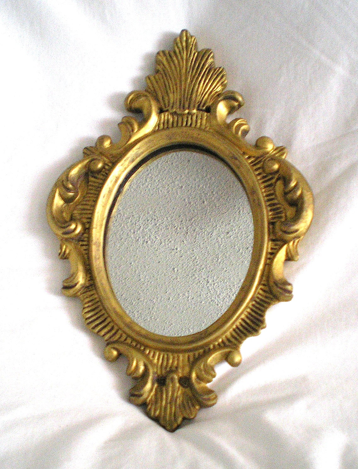 Vintage gold tone finish small oval wall mirror intricate for Small gold mirror
