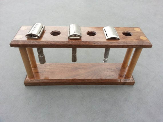 Wood safety razor stand